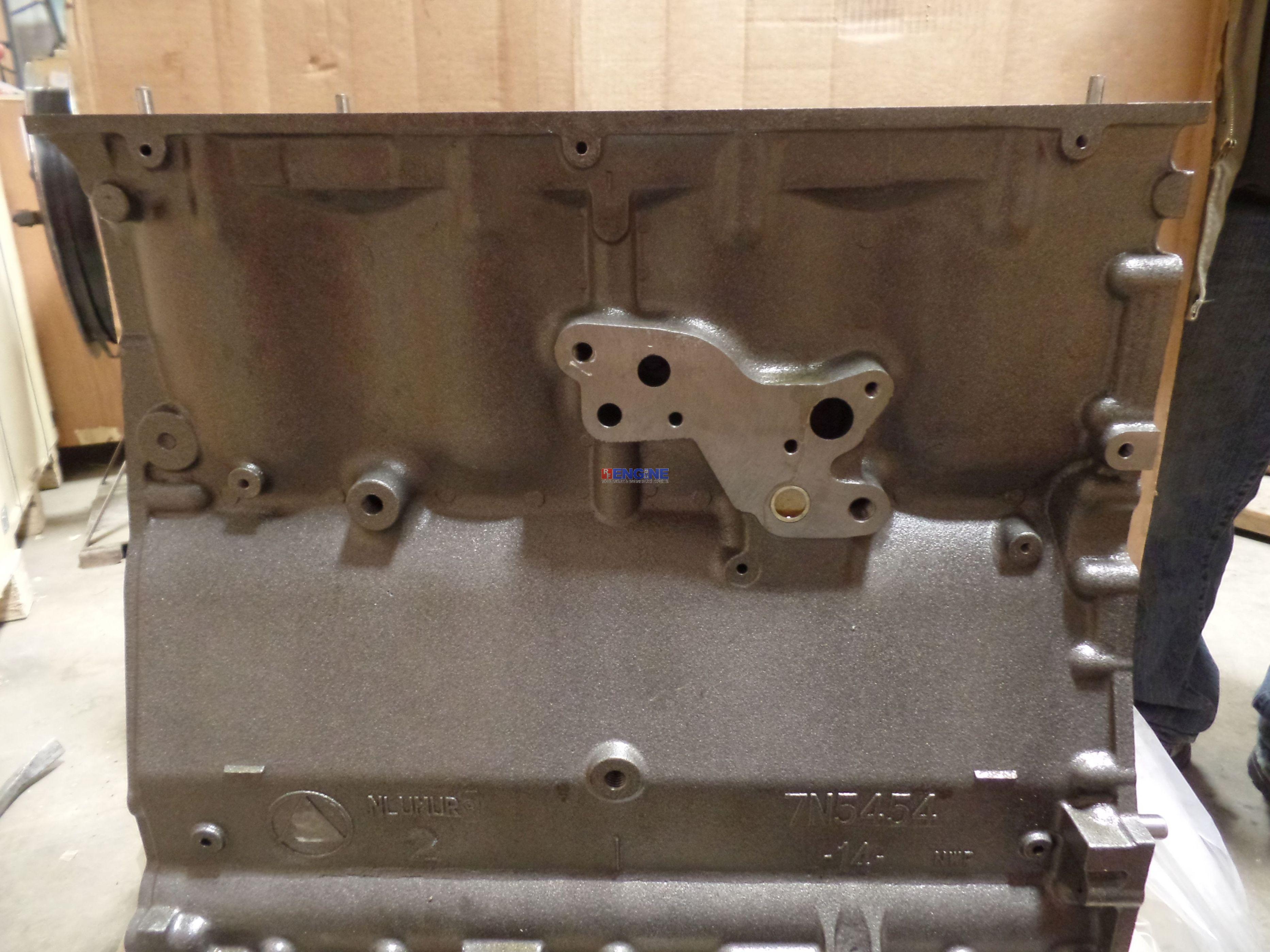 3 of 6 Fits Caterpillar CT 3304 Engine Block New 6N7984, 1N3574, 6N8000,  7N5454, 7N6552