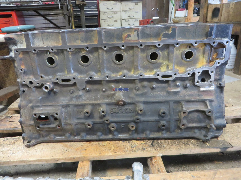 R. F. Engine Fits Isuzu 6BD1 Engine Block Good Used 94602N