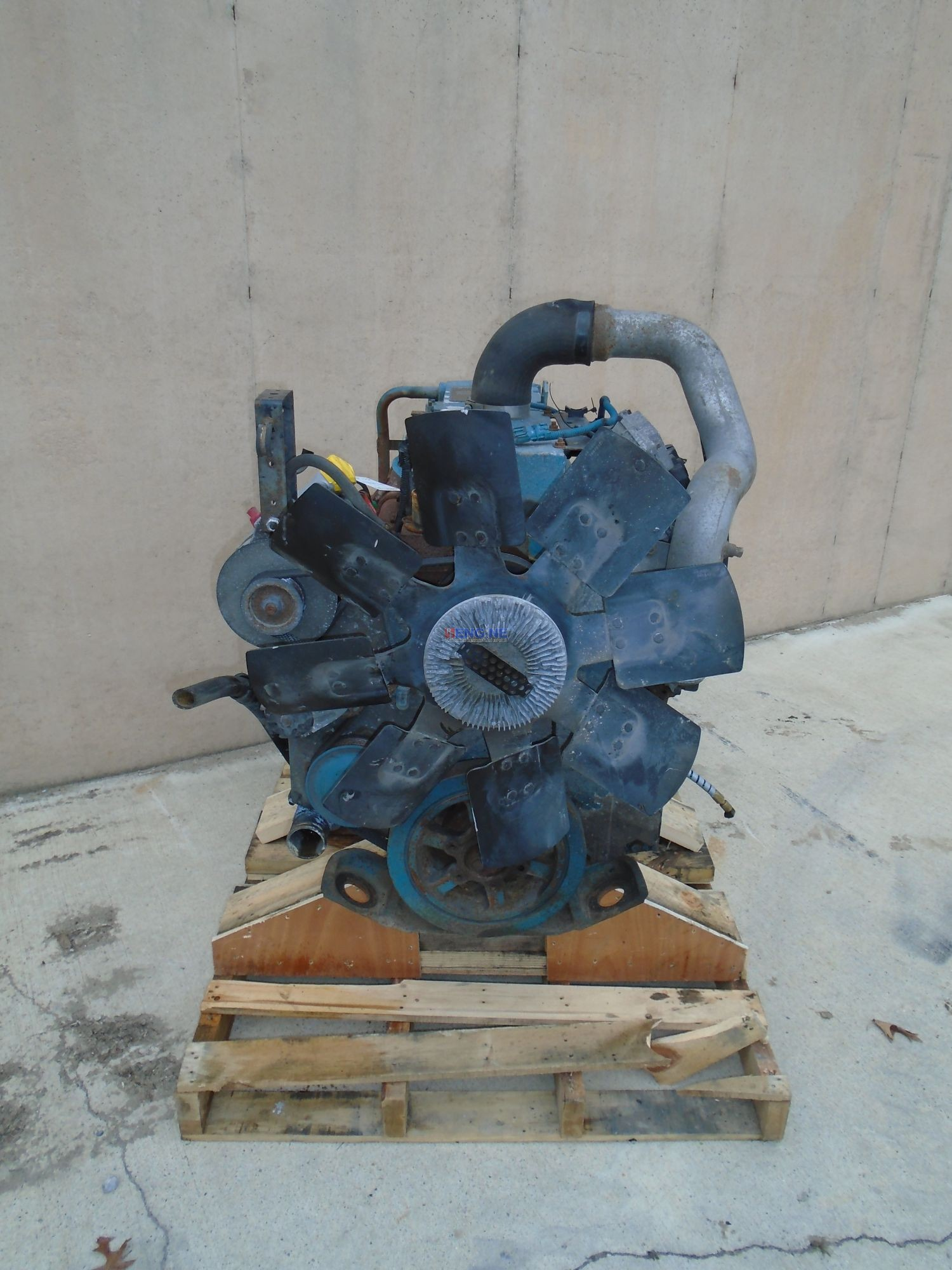 International DT466E Engine Complete Good Running A+ 2001 model year  195HP
