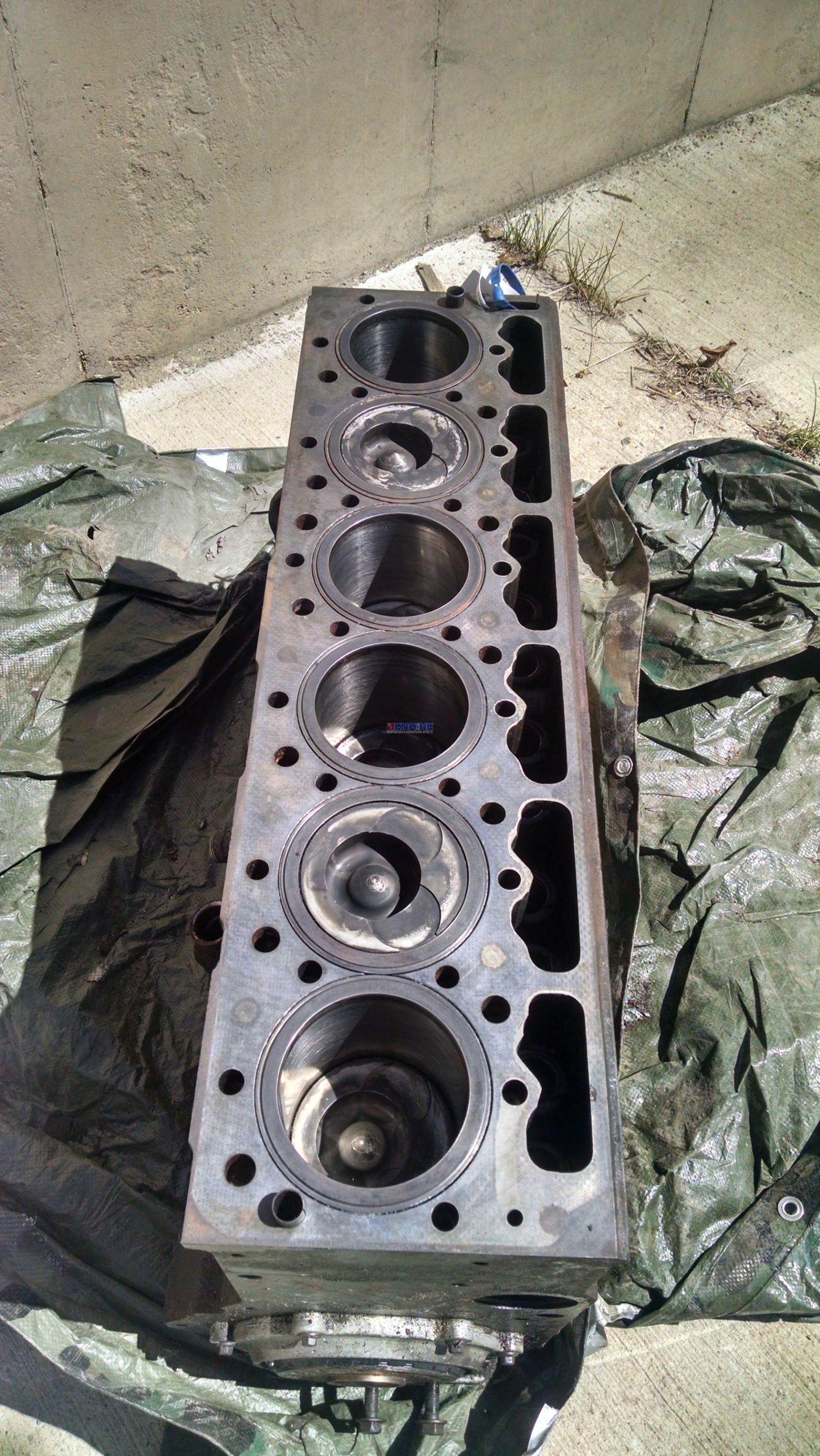 Ihdt Esb Bu on Wisconsin Engine Cylinder Head