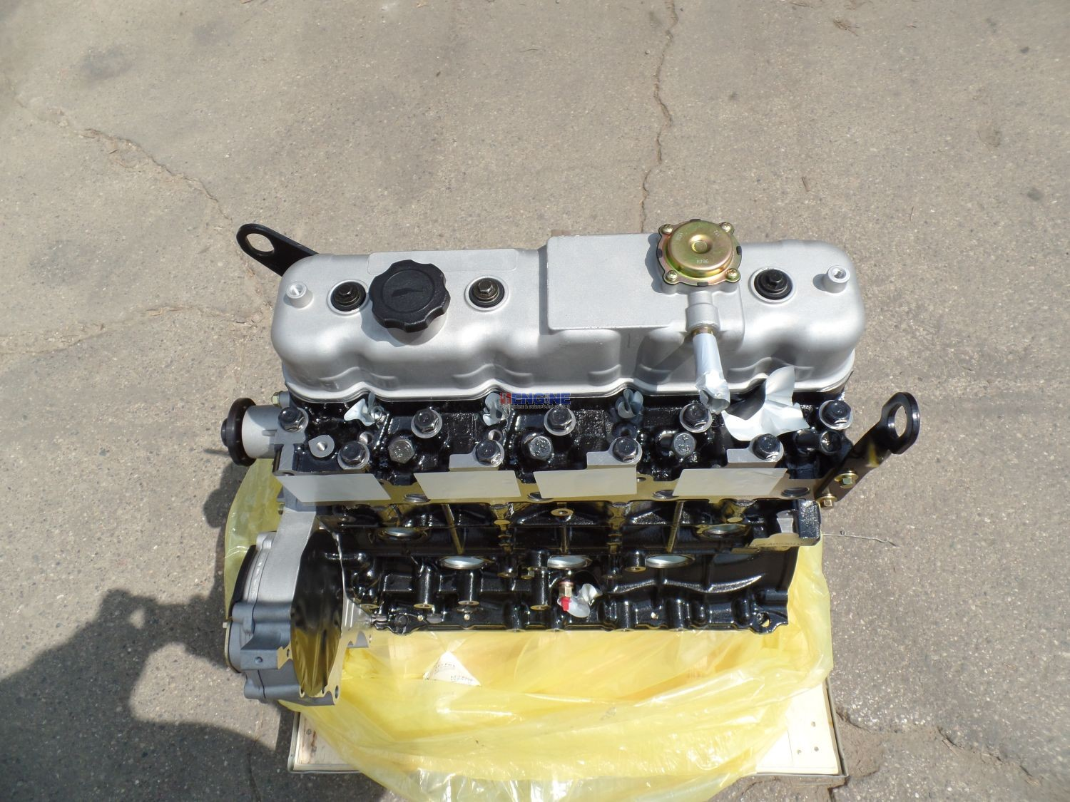 r  f  engine fits isuzu 4jb1 engine long block new 4jb1