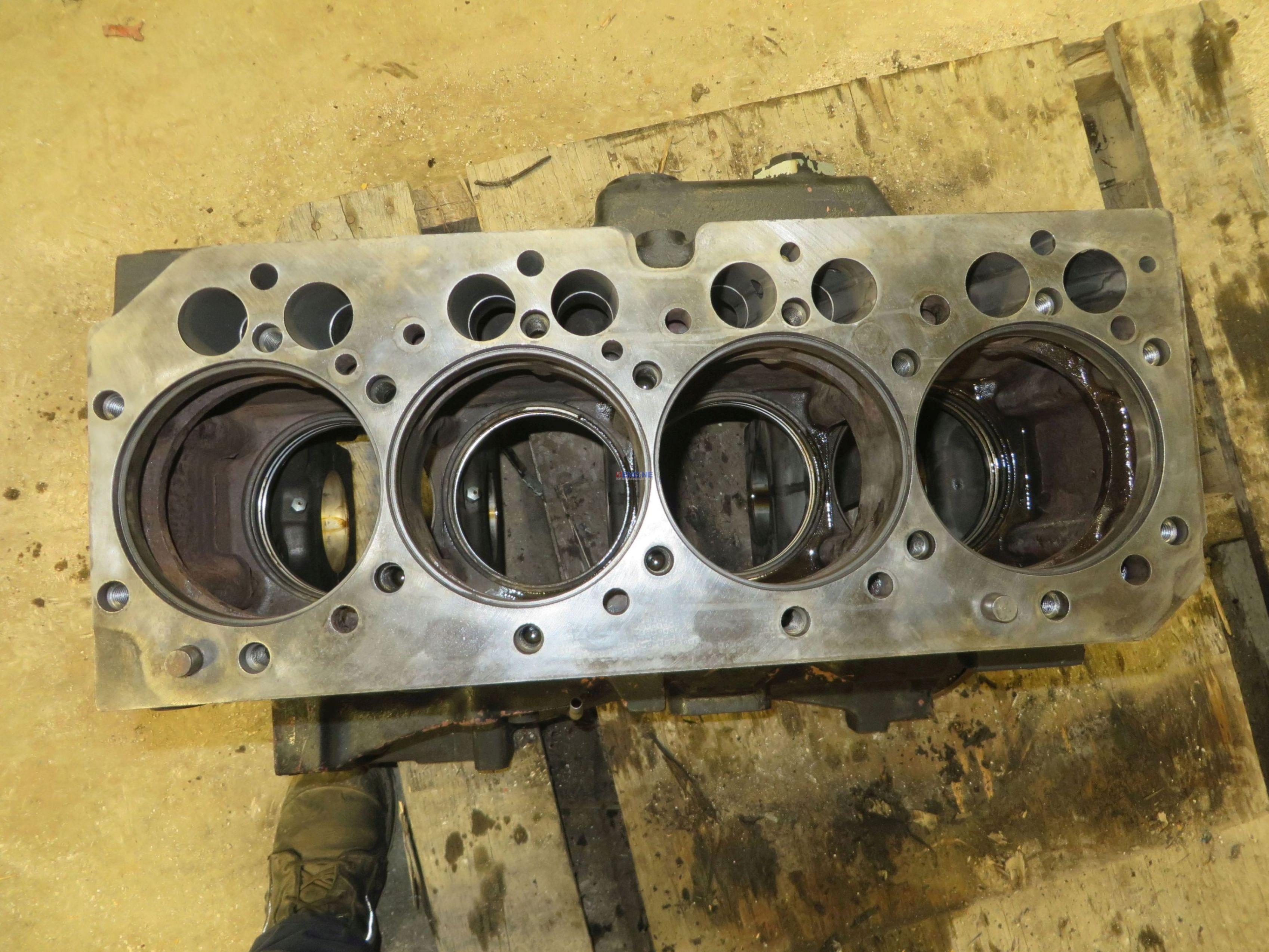 R Blk on John Deere 4045 Diesel Engine