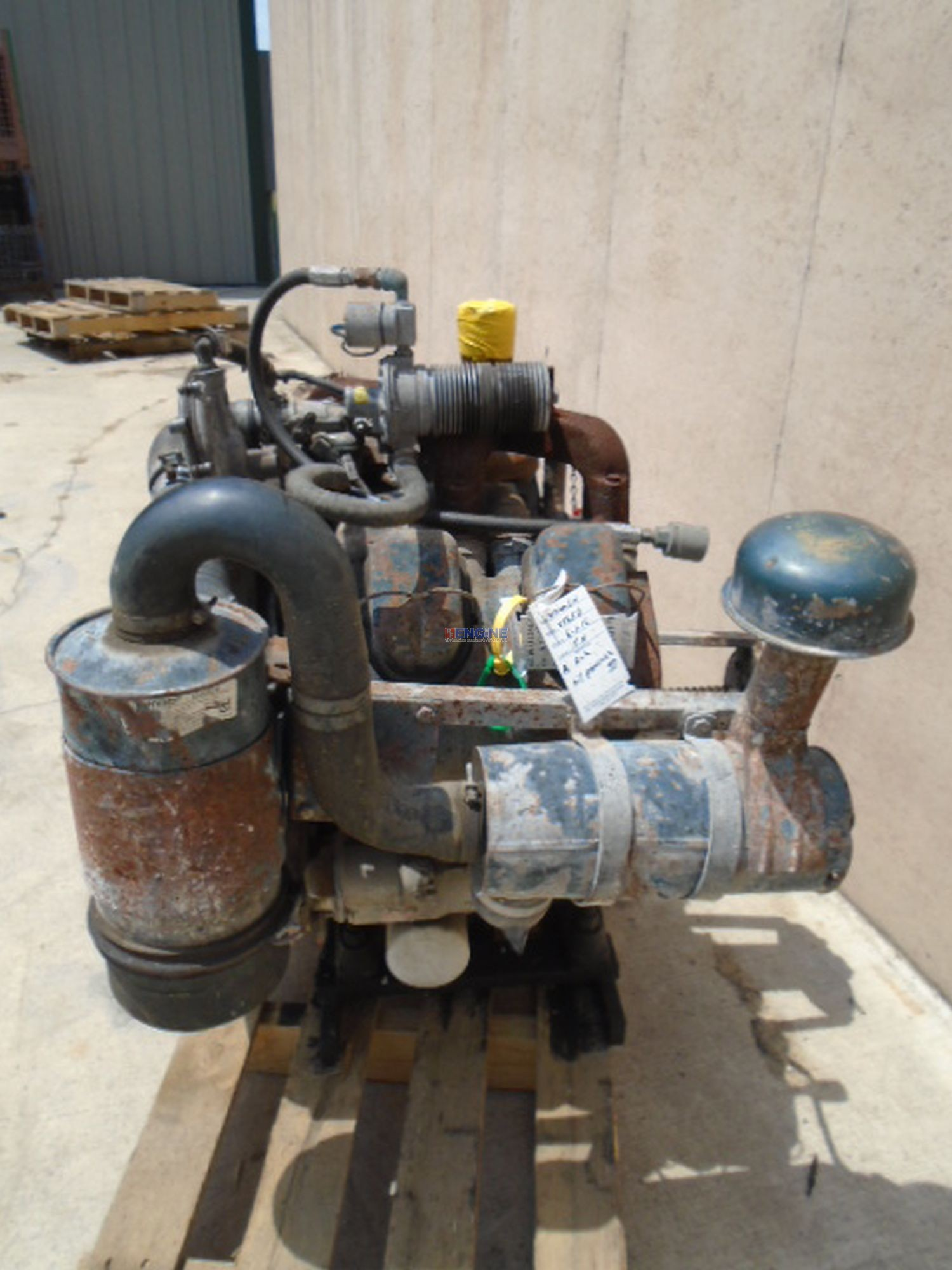 R F Engine Fits Wisconsin V465d Engine Complete Good