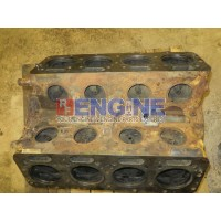 International V800 Engine Block